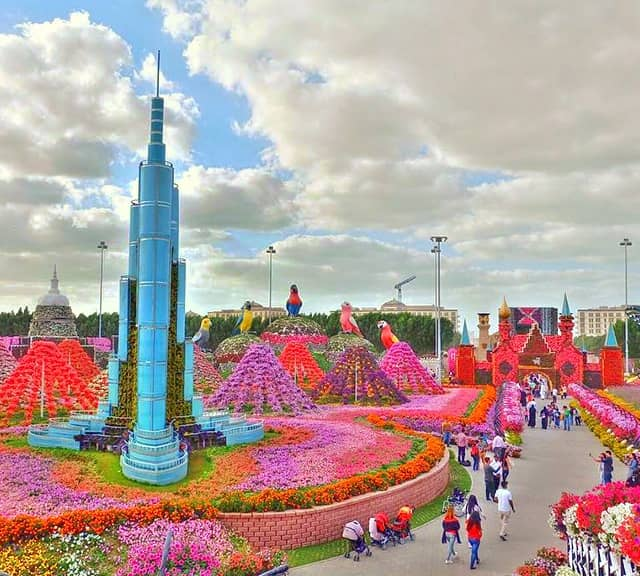 Size of Burj Khalifa Tower is 40 feet high and 30 feet wide at the Dubai Miracle Garden.